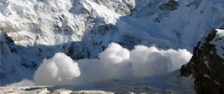 В Киргизии под снежней лавиной погибла гражданка России