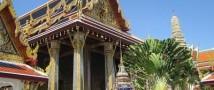 В Бангкоке молодежи посоветовали отказаться 14 февраля от секса и отметить праздник в храме