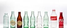 В 2015-м году знаменитой стеклянной бутылочке Coca-Cola исполняется 100 лет