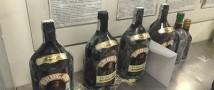 В Пулково у туристов изъяли 23 бутылки рома, в которых был растворен кокаин