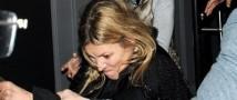 Кейт Мосс в состоянии алкогольного опьянения набросилась на папарацци