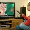 Ученые выяснили, что частое сидение перед телевизором – не причина близорукости