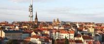 Чешским школьникам удалось найти в Интернете порно, в котором снялась их учительница