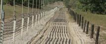 Границу России с Донбассом укрепили рвами и заграждениями