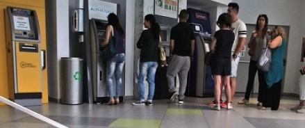 В Греции обещают, что у туристов не возникнет проблем со снятием налички в банкоматах