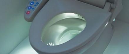 В Японии хотят установить в лифтах туалеты