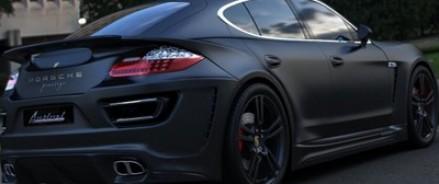 В Москве ограбили бизнесмена, менявшего колесо на своем Porsche