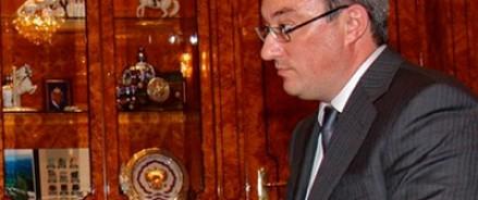 У главы Коми нашли золотую ручку и элитные часы