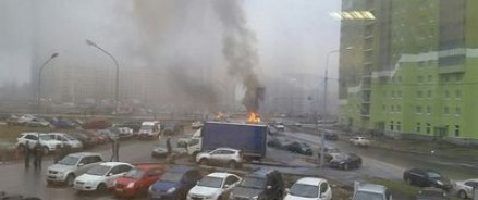 В Санкт-Петербурге неизвестные расстреляли полицейский автомобиль