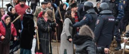 В поселке Тульской области началось восстание цыган