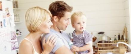 Депутаты Госдумы рассматривают вопрос поддержки молодых родителей
