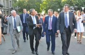 Слава Богу, тут нет третьего фронта, — отметил Мариани, прогуливаясь по Крыму