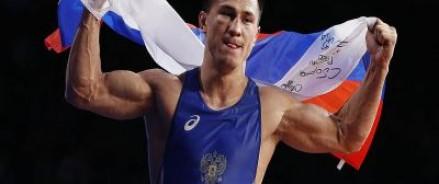 Спортсмены не только выступили под своим флагом, но и 56 раз напомнили всему миру о несгибаемом русском характере
