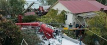 Вертолет, летевший с Красной Поляны, рухнул на частный дом