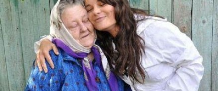 Власти Украины разрешат Королевой похоронить бабушку, но задержаться в стране ей не позволят