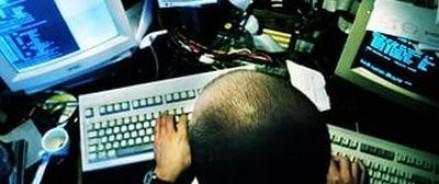 Спецслужбы вычислили и арестовали членов хакерской группировки, действовавшей в 17 областях