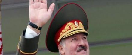 Лукашенко не собирается ограничивать сотрудничество с РФ в военной сфере, но призывает пускать на совместные учения военных НАТО