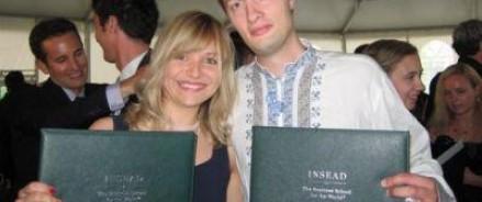 На Украине предлагают невестке Порошенко прилюдно сжечь свой российский паспорт