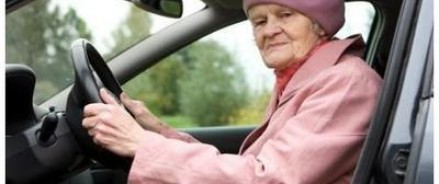 Специалисты назвали автомобили, которые в первую очередь устроят пенсионеров
