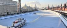 С наступлением морозов прогулки по Москва-реке будут сопровождать ледоколы