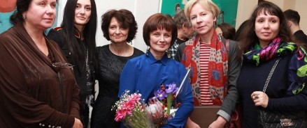 Российско-азербайджанская художница оценила лица в музейных очередях