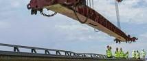 На Крымском мосту начали укладку рельсов