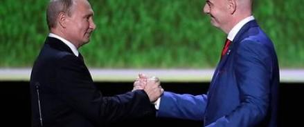 Путин пообещал футбольным болельщикам теплый прием после чемпионата и упрощенное оформление виз