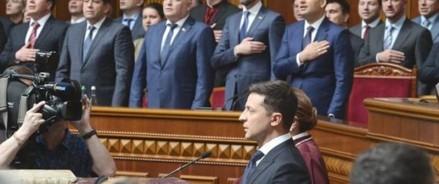 Петиция за отставку президента Украины за сутки набрала больше половины голосов
