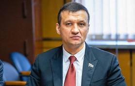 Дмитрий Савельев считает, что изменение статуса приставов должно начинаться с повышения зарплаты
