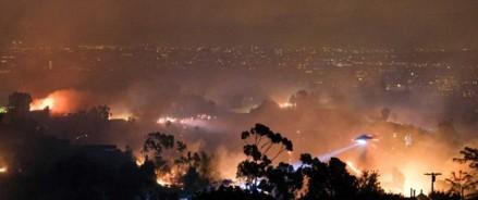 Калифорния: лесные пожары, отключение электричества