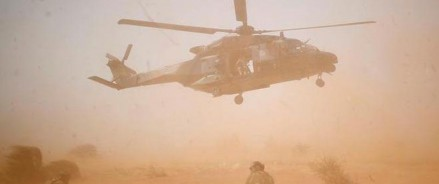 13 французских солдат погибли в результате крушения вертолета в Мали