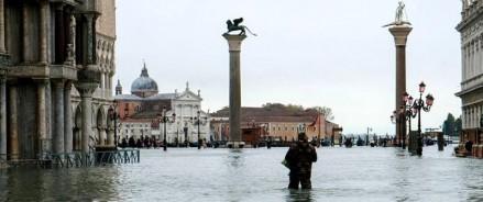 Наводнение в Венеции: город уходит под воду?
