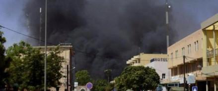 В Буркина-Фасо боевики совершили нападение на город: погибло более 100 человек