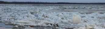 В ЯНАО перед паводком ослабят лед на реках Сыня и Пур
