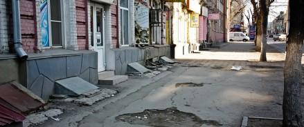 По всему Саратову отремонтируют тротуары на 332 млн рублей