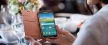 «Связной»: петербуржцы покупают смартфоны с NFC и с четырьмя камерами