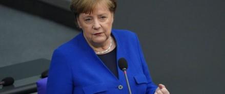 Ангела Меркель «болезненно реагирует» на атаку российских хакеров на Бундестаг