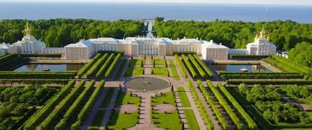 На реставрацию Верхнего сада в Петергофе направят около 400 млн рублей