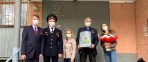 Сотрудники полиции Новой Москвы совместно с Общественниками поздравили ветеранов Великой Отечественной войны с Днем Победы