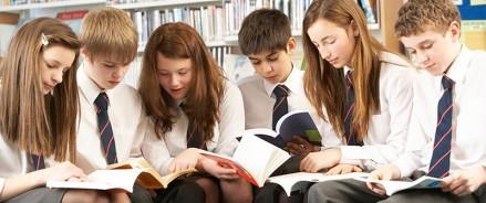 Попали в историю: подростки из Москвы написали книгу о своей школьной жизни