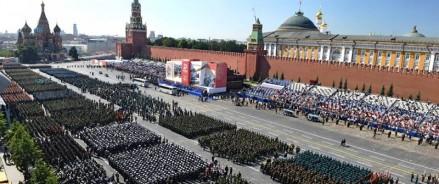 Проведение парада 24 июня должно стать ежегодным