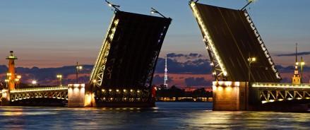Авито Недвижимость: Санкт-Петербург вошел в топ-5 популярных туристических направлений этого лета у россиян