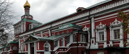Фундамент Успенской церкви в Новодевичьем монастыре в Москве собираются укреплять