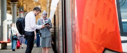 СЗППК подарит пассажирам брендированные сувениры в честь Дня железнодорожника