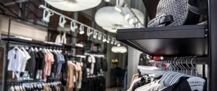 Авито: петербуржцы интересуются брендами одежды больше, чем жители других городов