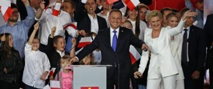 Выборы в Польше закончились победой действующего президента