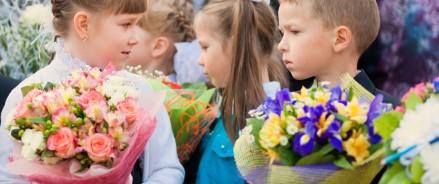 Российские экологи хотят запретить детям приносить живые цветы на 1 сентября