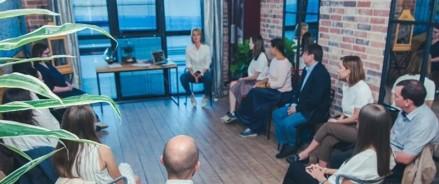 Ведущий российский эксперт по майндфулнесс Снежана Замалиева запускает социальный проект для помогающих специалистов