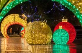 Псков к Новому году украсят почти на 4 млн рублей