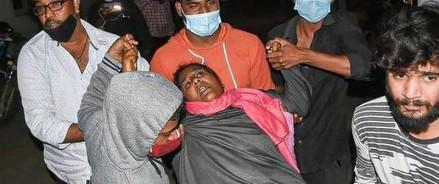 Индия: загадочная болезнь отправила сотни людей в больницу